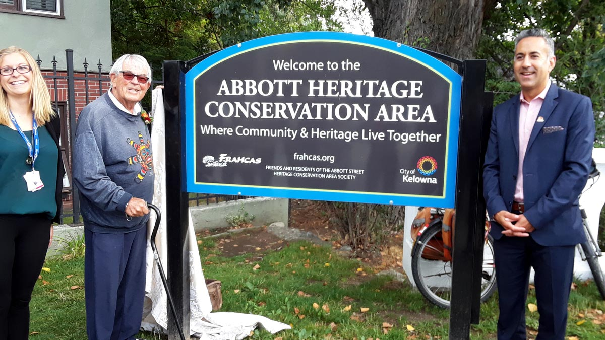 Mayor Colin Basran attending unveiling of the Abbott Street Heritage Conservation area sign